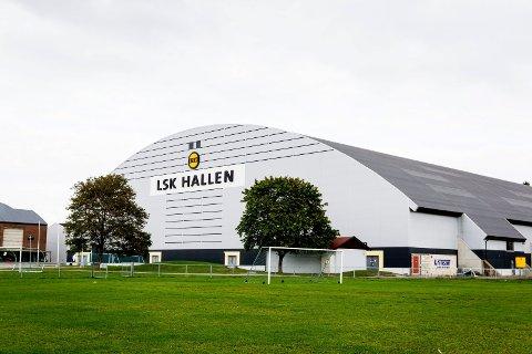 Toppfotballen i Moss ønsker seg en innendørshall og retter blikket mot LSK-hallen på Lillestrøm.