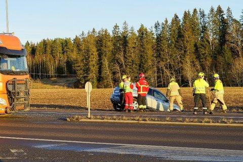 Årsaken til trafikkulykken i Hølen fredag ettermiddag var brudd på vikeplikten.