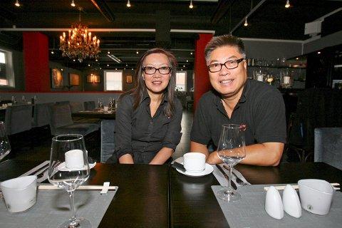 TRONER ØVERST: Ming restaurant drives av ekteparet Ling Yun Yuen og Yaming Yuen.