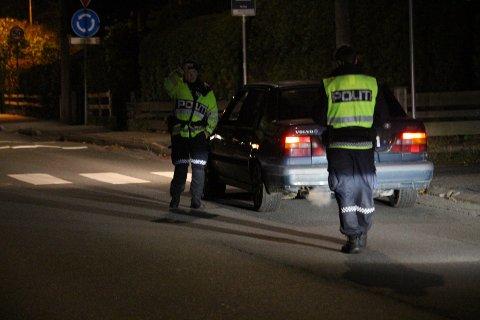 KONTROLL: Politiet stoppet trafikanter i Øreveien under kontrollen.