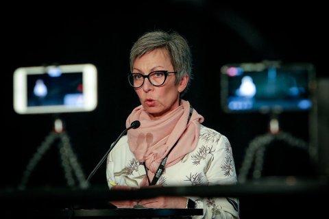 BEKYMRET: Ordfører Hanne Tollerud i Moss oppfordrer voksne til å sørge for at barna kan ta del i halloween-feiringen på en ansvarlig måte med tanke på smittevern.