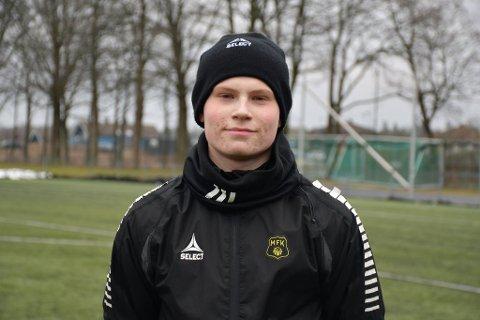 TØFT ÅR: Ved juletider i 2019 ble det funnet en kul i magen til Aleksander Andresen, noe som skulle snu opp-ned på tilværelsen. Nå, ett å senere, er han ikke bare kreftfri, men han også sikret seg kontrakt med Stabæk Fotball.