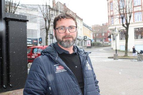 RÅD: Jens Lind-Larsen oppfordrer folk som blir syke nå til å bruke egenmelding hvis de kan det. Han er tillitsvalgt for alle fastlegene