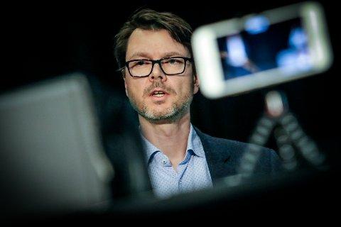 Kommuneoverlege Kristian Krogshus sier at økningen i antallet personer med påvist koronasmitte kan ha en sammenheng med at samfunnet gradvis åpnes opp og at folk reiser mer.