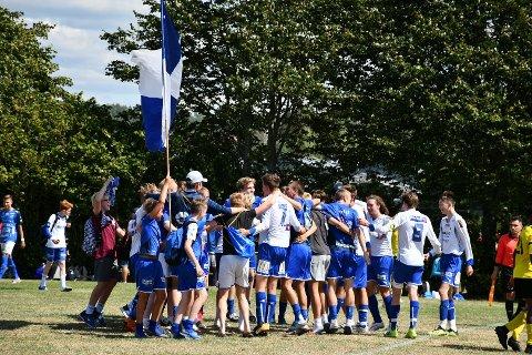 GODE MINNER: – Det er mange som husker Gothia Cup som årets høydepunkt, sier Isak Tollerud. Her feires det under fjorårets utgave av Gothia Cup.