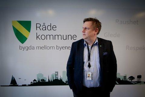 BETAKKER SEG: Råde-ordfører René Rafshol (H) ønsker ikke at «bygda mellom byene» blir et hovedsted for en togparkering og nabobyenes pendlerparkering.