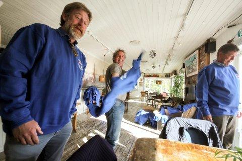 Uniformsprøve: CC Sibbern og Martin Mathisen er nesten klare til søndagens oppdrag.
