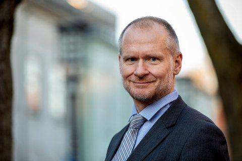 FLATER UT: Adm.dir. i Eiendom Norge, Henning Lauridsen, tror boligprisene vil utvikle seg moderat ut over høsten.