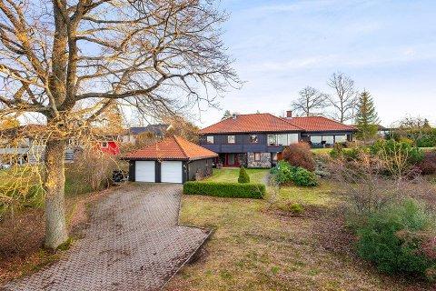 SOLGT: Denne eiendommen på Jeløya er solgt for 10,5 millioner kroner.