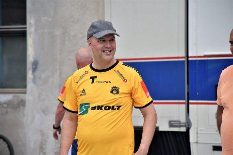 ENDELIG: Styreleder Klaus Hagerupsen Hansen i MFK har hatt noen tøffe måneder. Nå er han glad for at aktiviteten på A-laget straks kan starte opp igjen.