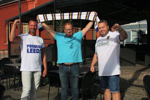 ENDELIG TILBAKE: Leeds United er tilbake i Premier League. Det gleder Raymond Jensen (fra venstre), Ralph Bakken og Morten Brede Johnsen.