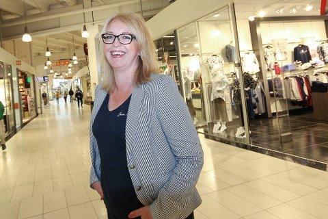 JULEKLAR: Senterleder på Mosseporten, Kamilla Tarvang Aagard, skal sørge for at det blir trygt å handle til julen. Likevel oppfordrer hun folk til å være tidlig ute.