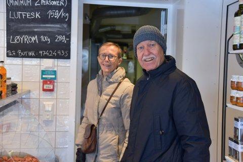 STAMKUNDER: Elsa Rath Jensen og mannen Jan W. Jensen spiser fisk flere ganger i uka.