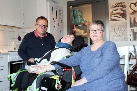 SJOKK: Ole Petter og Anne Mette Johansen fikk sjokk da de leste på moss-avis.no at det var branntilløp på Eskelund omborgsboliger, der datteren Silje bor.