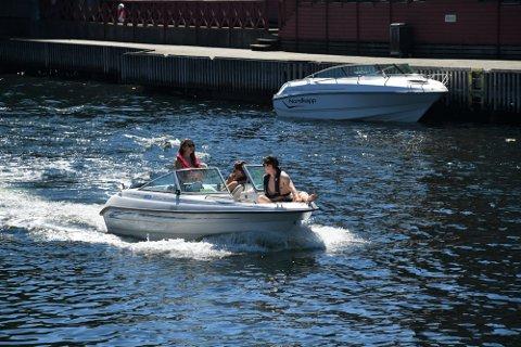 BÅT: Det var mange som gikk til innkjøp i båt i 2020. Her fra kanalen i Moss i fjor sommer.