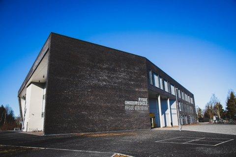 KARANTENE: Flere ansatte og elver ved Rygge ungdomsskole fikk søndag beskjed om karantene.