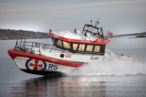 ELIAS: Her er RS 159 Elias i aksjon på vannet. Denne sommeren har det vært mye å gjøre for redningsskøyta.