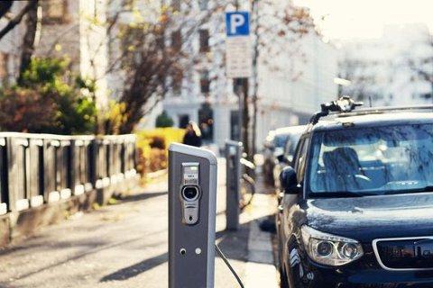 Skal vi nå 2025-målet, er det viktig at elbilpolitikken virker på samme måte både i privatmarkedet og næringsmarkedet
