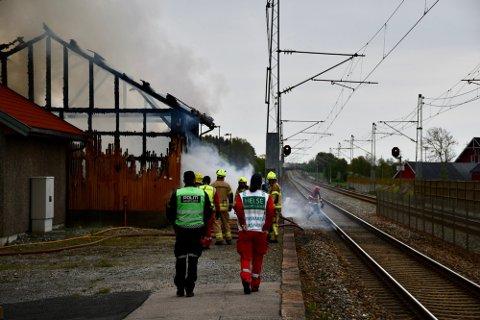NEDBRENT: Ifølge etterforskningsleder Daniel Holm skal det ha vært diverse gjenstander i bygningen ved Rygge stasjon.