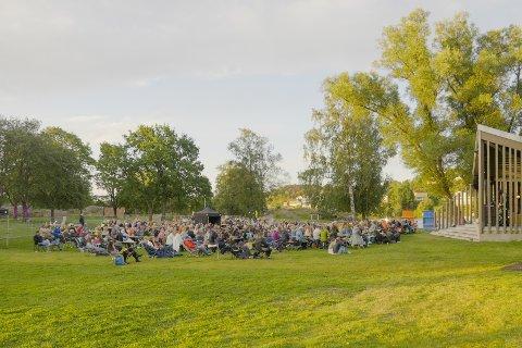 Forrige lørdags morgenkonsert med Trygve Skaug i Nesparken var en av høydepunktene forrige uke, denne uken fortsetter konsertene og forestillingene.