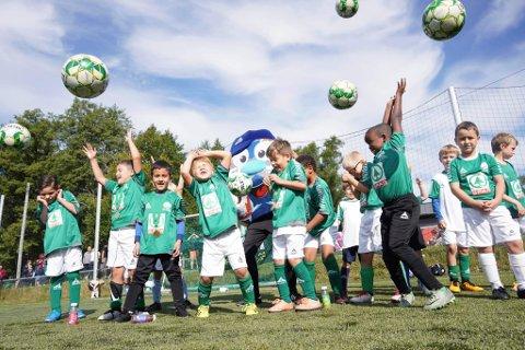 JUBELEUM: Fotballklubben Eika Krapfoss feiret 50 år denne helgen.