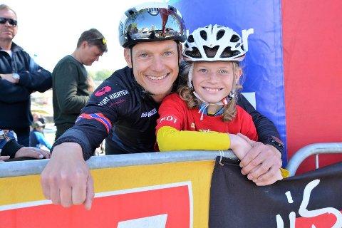 ARRANGØR: Initiativtaker Kenneth Busch ser frem til helgens festligheter. Her sammen med sin yngre bror under Tour of Norway i 2017.