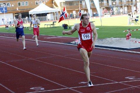 I SPANIA: Fredrik G. Øvereng endte drøye ett og et halvt sekund bak sin personlige rekord da han ble nummer seks på lørdagens 400-metersløp i spanske Granada. Her fra en tidligere konkurranse.