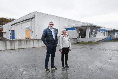 BYGGER UT:– For å få til det vi ønsker må vi ha større plass, sier daglig leder Øyvind Pettersen. Her sammen med logistikkansvarlig Rigmor Flosand.