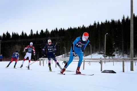 EGET RENN: Junior-NM i langrenn i vinter blir splittet opp med ei NM-helg for jentene og ei NM-helg for guttene. Dette bildet er fra junior-NM i 2018, der Ola Estil Brissach, Lierne fører an.