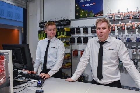 NY BUTIKK: Børre Aspmo og sønnen Kristoffer skal styre hver sin Power-avdeling på Kolvereid og Rørvik.