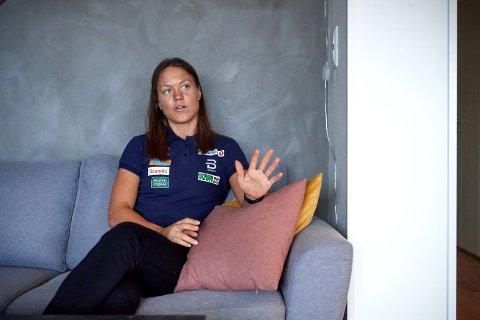 SPENT: Ane Appelkvist Stenseth gleder seg til å sparke i gang langrennssesongen. Samtidig er skikometen spent på hvordan det blir å gå verdenscup i år – midt opp i koronavirusets herjinger. Her er hun avbildet hjemme i Trondheim før sesongstarten i 2019.