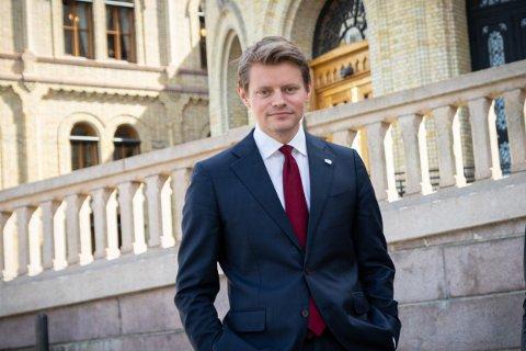 VIL SKAPE MER RETTSAKTIVITET: Peter Frølich (H) i justiskomiteen mener avviklinga av Namdal tingrett vil føre til mer rettsaktivitet i Namsos.
