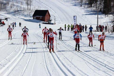 SKIRENN I 24 TIMER:  Fra fredag til lørdag skal Røyrvik sanke kilometer på ski, og med sine sikre snøforhold er Røyrvik et eldorado for skiaktivitet.  Her fra et skirenn i Børgefjellsenteret i 2018.
