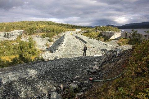NYE RAPPORTER OM TUNGMETALLER: Nå har også Veterinærinstituttet kommet med en rapport som viser at mengden tungmetaller i slammet som kom etter bygging av ny dam ved Namsvatnet er over myndighetenes grenseverdier.
