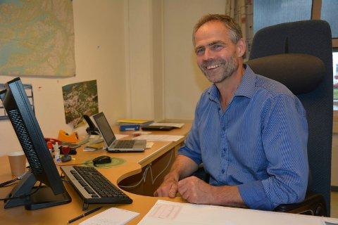 IKKE TILLIT: Helge Thorsen har vært rådmann i Brønnøy kommune siden 2019. Nå har kommunestyret vedtatt at de ikke lenger har tillit til rådmannen.