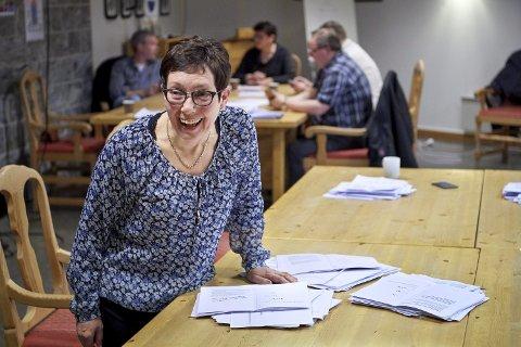 HYGGELIG MELDING: Søndag kveld fikk Britt Helstad, ordfører i Bindal kommune, den hyggelige meldinga om at Holm fergeleie framskyndes i økonomiplanen til Nordland fylkeskommune.