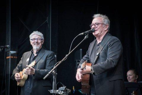 FÅR STØTTE: Åge Aleksandersen og Gunnar Pedersen holder fire konserter på Vonheim i Bindal i helga. Nå har arrangøren fått nærmere 750.000 kroner i støtte fra Kulturrådet til arrangementene.
