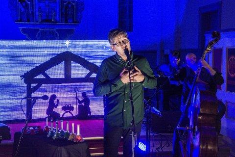 FÅR STØTTE: Thomas Brøndbo får 484.000 kroner i koronastøtte – noe som betyr at han og bandet får gjennomført juleturneen som starter i Skage kirke 29. november.