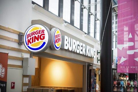 BESØKTE BURGER KING: En koronasmittet person fra en annen kommune besøkte Burger King.