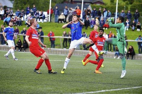 KAN MØTES: Rørvik og Namsos er i hver sin avdeling, og kan møtes ikke til oppgjør i fjerdedivisjon når sesongen sparkes i gang til høsten før begge lag tar seg til playoffinale.