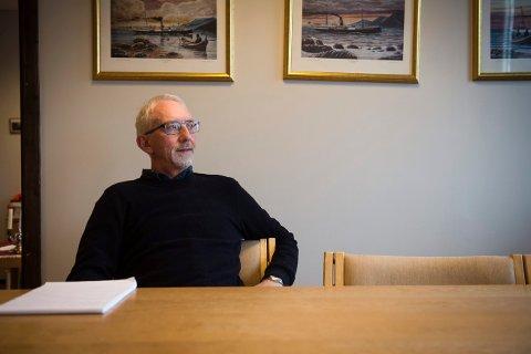 I SORG: Flatanger-ordfører Olav Jørgen Bjørkås forteller at hele kommunen har mistet en venn. Han mottok budskapet om Per Anton Løfsnæs dødsfall med dyp sorg.