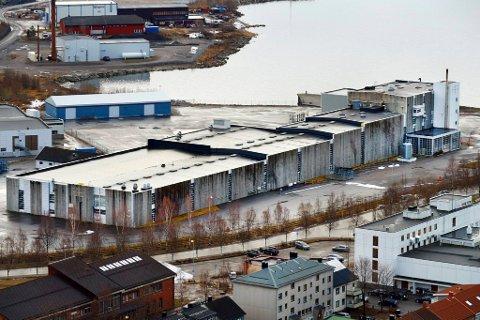 SKAL SANERES: Politikerne vil rive Nexansbygget, slik at tomta kan bli brukt til byutvikling.