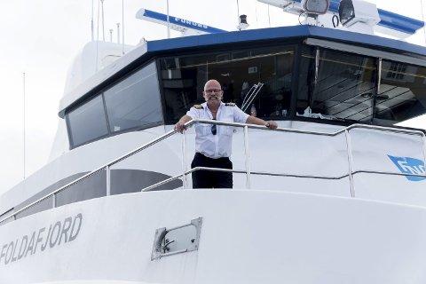 TRAKK SEG UNNA: Her er skipper Geir Olsen om bord på «Foldafjord», båten som tidligere gikk i ruta mellom Rørvik, Namsos og Leka. Nå jobber han i Trondheim.