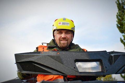 UTFORDRENDE: – Høsten er ofte en utfordrende tid for hjelpekorpset med mange som ferdes i naturen og der værforholdene skifter fort, forteller Thomas Markussen i hjelpekorpset til Vikna Røde Kors.