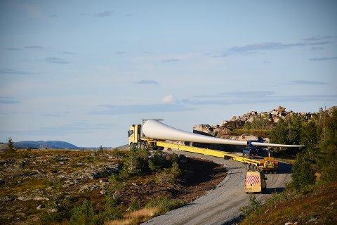 STORE NATURINNGREP: Utbygging av vindkraftverk krever store inngrep i naturen. Motvind Nærøysund mener å kunne dokumentere flere saksbehandlingsfeil hos Norges vassdrags- og energidirektorat.