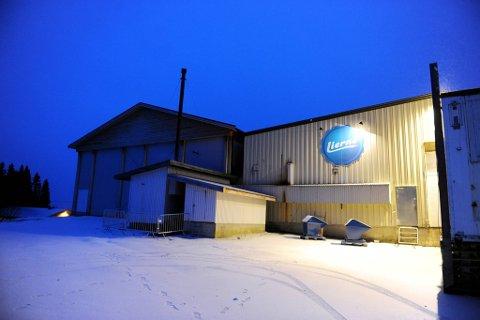 SELGES: Det gamle bakeribygget på Jule selges til Blåfjell Lierne AS og Blåfjell Drift AS. Pris: En million kroner.