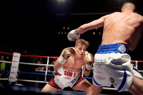 KAMPTØRKE: Simen Nysæter var invitert til å bokse om IBO-tittelen i Latvia neste måned. Nå er stevnet utsatt.