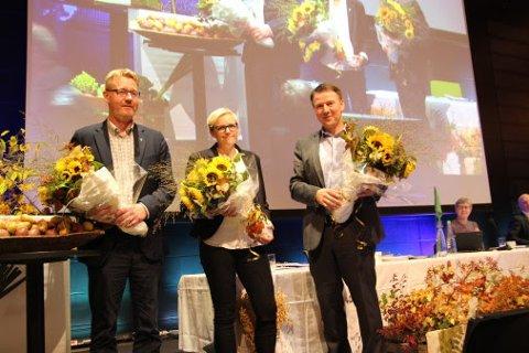 GjenvalgT. Lars Petter Bartnes (til høyre) fra Steinkjer ble gjenvalgt som leder i Norges Bondelag på dagens årsmøte. Bjørn Gimming ble gjenvalgt som 1. nestleder og Bodhild Fjelltveit ble ny 2. nestleder.