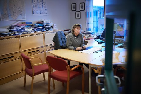UAVKLART SITUASJON: Marit Dypdal Kverkild som er fagdirektør for helse og samfunn hos Statsforvalteren i Trøndelag, sier at det er svært spennende hva som skjer i helga. Hun håper og tror at det vil gå ut nasjonal informasjon til trønderske kommuner fra myndighetene og regjeringen i helga.