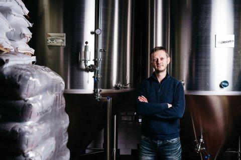 REAGERER: Erlend Vagnild Fuglum fra Grong er direktør i Bryggeri- og drikkevareforeningen, og mener at forslaget om økt alkoholavgift vil føre til økt grensehandel og en svekkelse av verdiskapning i Norge.